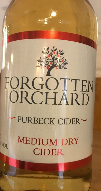 Giving you the Dry refreshing taste and velvety tones of cider made in the traditional way.