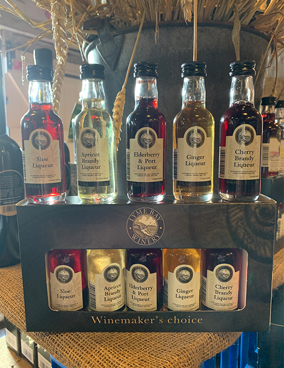 An attractive miniature gift box containing our winemaker's choice of five best selling fruit liqueurs. Apricot Brandy
