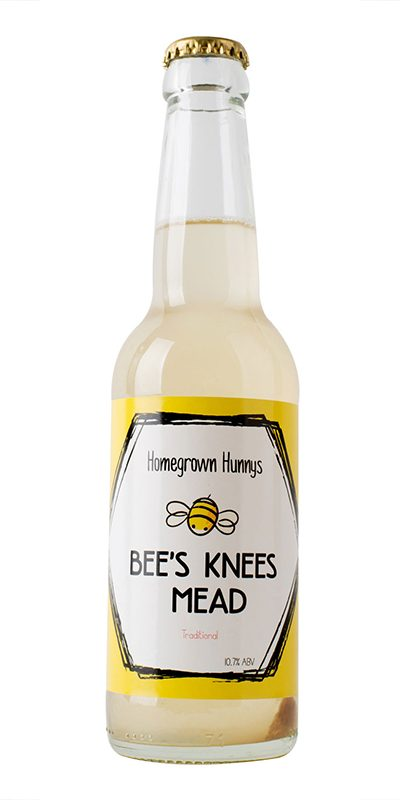 Semi-sweet mead with a delicate fruit-flowered honey bouquet. Honey delicious buzzing with g00dness.