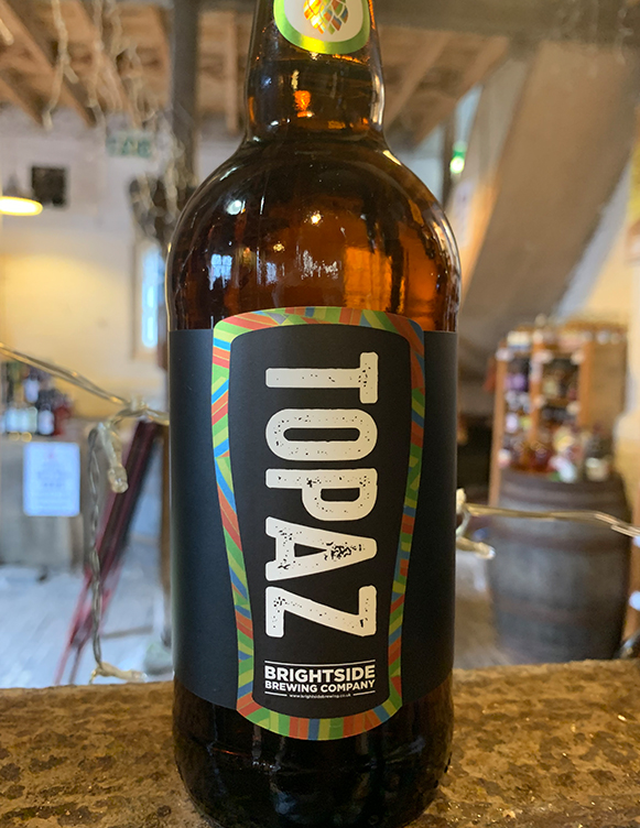 single hop IPA we showcase the best of the Topaz hop flavour profile. Fresh resinous aromatics, juicy fruit and a thirst quenching citrusy bitterness matched with a rich malty base are a winning combination.